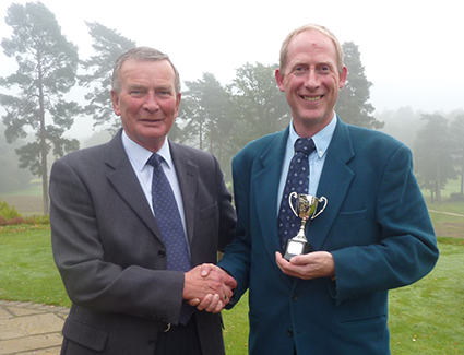 Worplesdon-winner-Clive-with-Vice-Captain-Graeme.png